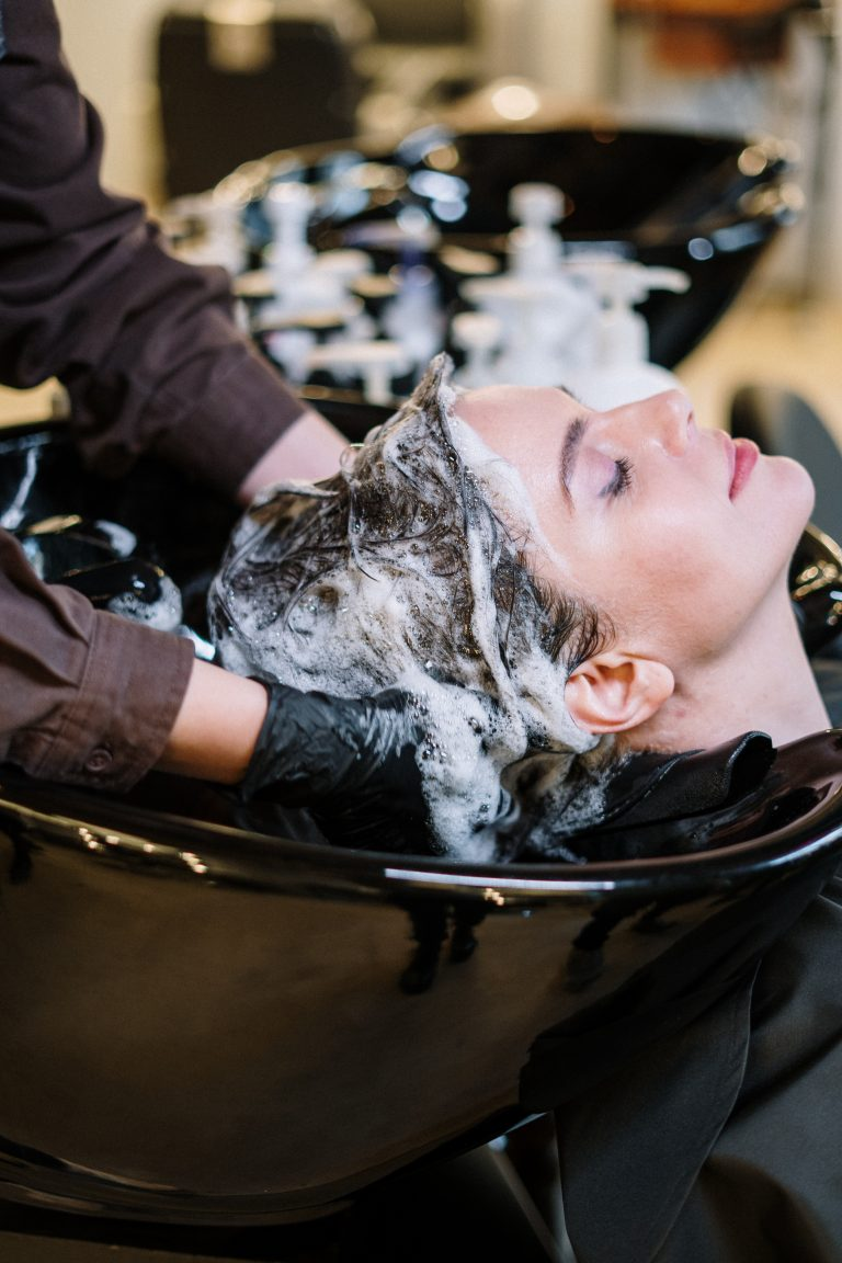 Basic Services Offered By A Beauty Salon